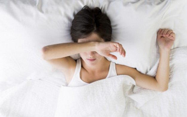 Thiếu ngủ là một trong những nguyên nhân gây mệt mỏi - Ảnh: health.clevelandclinic.org