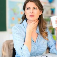 Bí quyết trị viêm thanh quản cho giáo viên khi trời lạnh