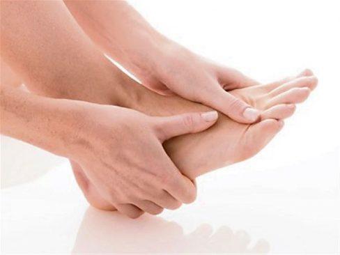 Chuột rút bàn chân: Nguyên nhân và cách khắc phục